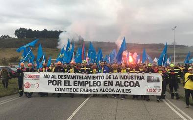 Así ha sido la marcha para defender los puestos de trabajo en Alcoa