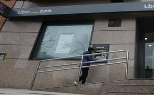 Un hombre intenta atracar una sucursal bancaria en Oviedo a plena luz del día