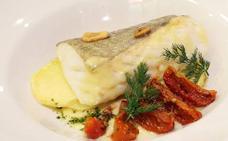 Lomo de bacalao al horno con tomatitos especiados