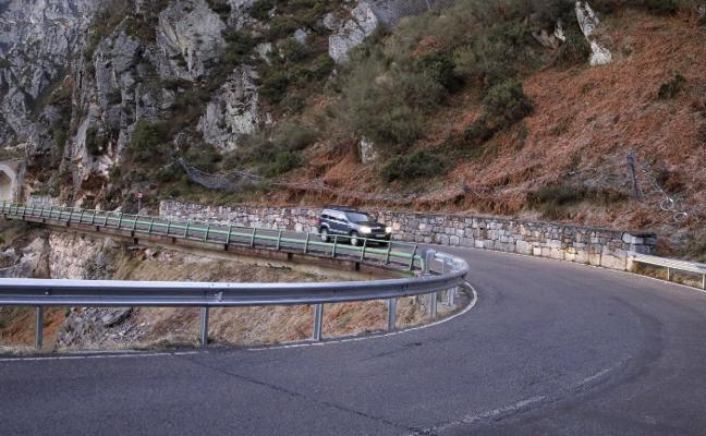 El Principado acomete «mínimas» mejoras en la carretera de San Isidro