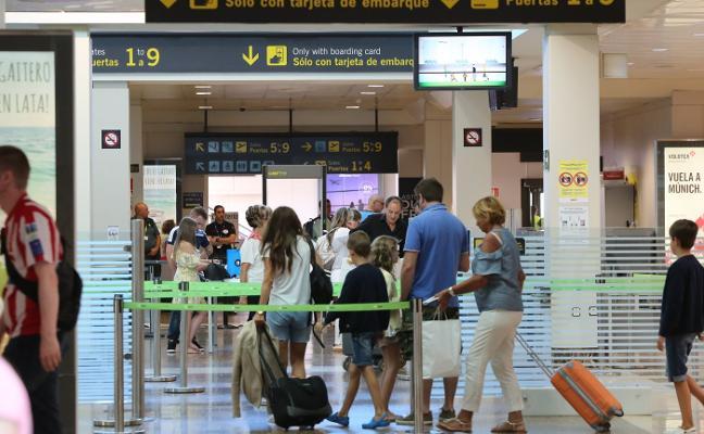 El Principado triplica las ayudas por vuelo para recuperar las conexiones internacionales