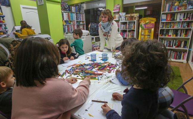 Cuentacuentos y taller para niños en la librería Trisquel