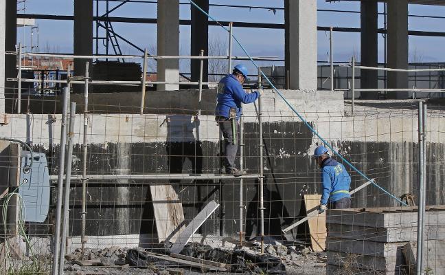 La construcción alcanza su cota más alta en siete años, con la creación de 349 viviendas