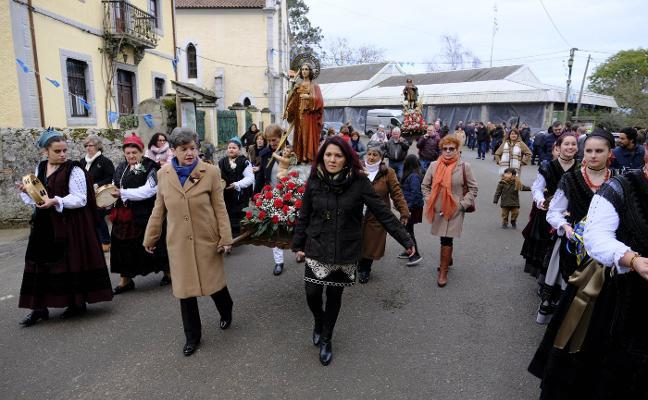 Porrúa abre la temporada de fiestas en Llanes