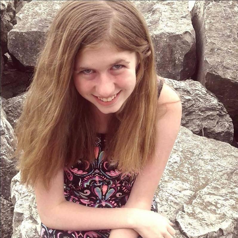 La joven que logró escapar tras 88 días secuestrada por el asesino de sus padres