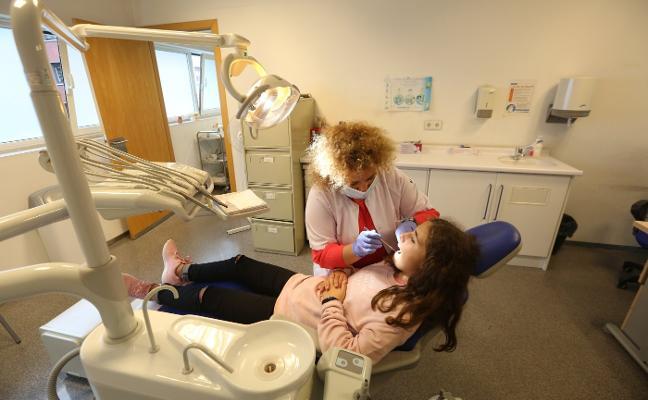 Dos de cada diez niños de la comarca de Avilés nunca van al dentista
