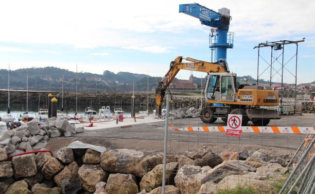 Retraso de un mes en las obras del puerto por deficiencias