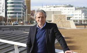 «Las políticas del Principado no favorecen el crecimiento del pequeño comercio»