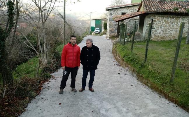 García Longo visita las obras de Andeyes y Llau