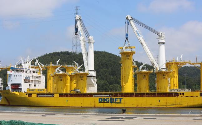 La guerra comercial y la desaceleración se ceban con las exportaciones de la gran industria