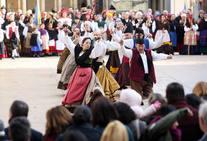 Oviedo, escenario de Folclore en La Calle