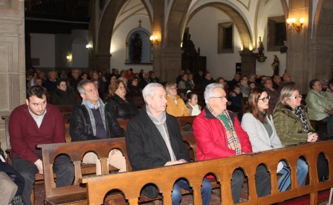 Candás recuerda a los fallecidos en la mar