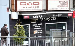 Prisión provisional y sin fianza para el hombre que agredió a machetazos a tres personas en Oviedo