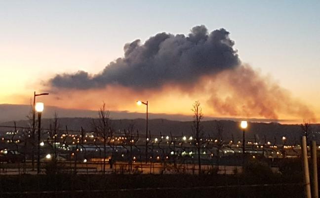 Los ecologistas alertan de «una nube contaminante» en la zona oeste de Gijón