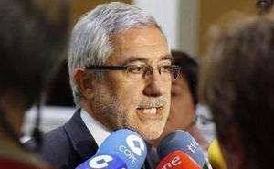 Llamazares, dispuesto a no ir en las listas de IU de Asturias