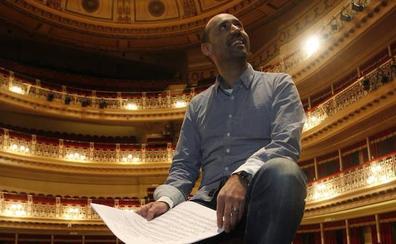El asturiano Javier Menéndez, nuevo director general del Teatro de la Maestranza de Sevilla
