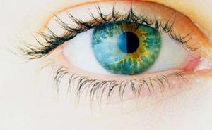 La mala letra de un médico lleva a una mujer a aplicarse una crema para la disfunción eréctil en el ojo