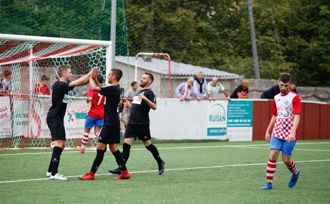 El Real Avilés sigue divorciado con el gol