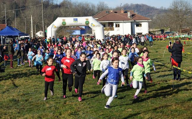 900 escolares a la carrera en Benia