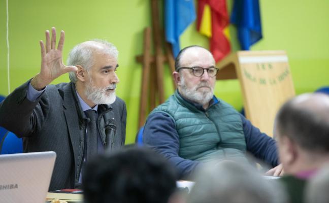 Julio Luis Martínez presenta 'La cultura del encuentro ' en el Isla de la Deva