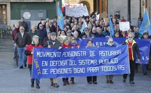 La movilización de los pensionistas toma el centro de Gijón