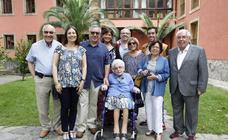 La otra cara del político: la familia y los amigos