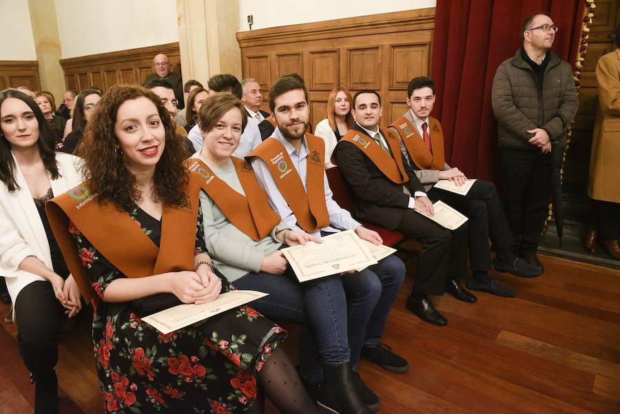 Los graduados en Informática de la Universiad de Oviedo reciben sus diplomas
