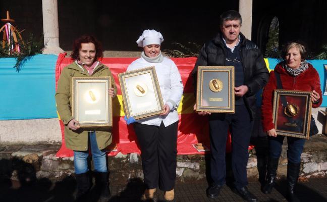 La Foz celebra San Antón con su concurso de casadielles
