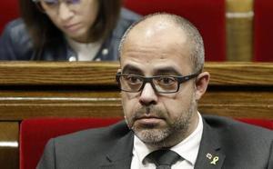 El consejero de Interior consuma la purga en los antidisturbios de los Mossos que le exigió Torra