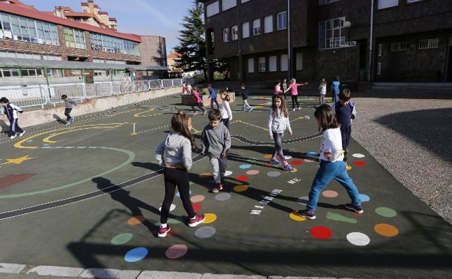 Recreo multicolor en el colegio Clarín