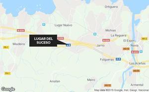 Un aparatoso accidente corta la autovía del Cantábrico en Coaña
