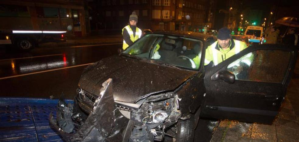 Dos heridos en un aparatoso accidente entre cuatro vehículos en Villalegre