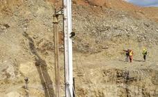 Rescate de Julen: traen una nueva herramienta de Guadalajara para la perforadora, que alcanza los 40 metros