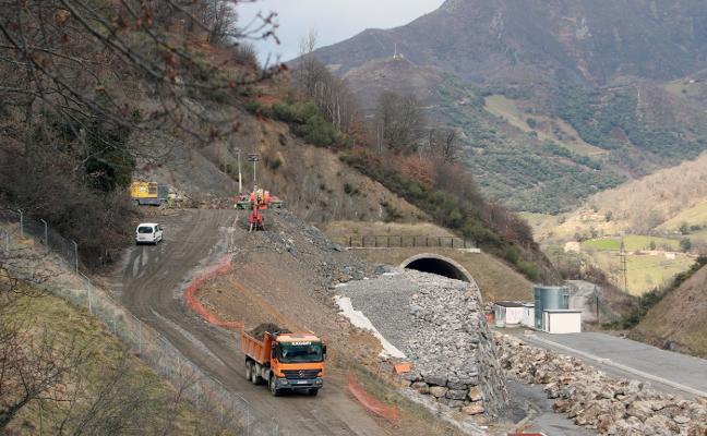 Fomento prepara el montaje de vías de la variante para tenerlas listas en abril de 2020