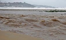 Gijón registra olas de más de siete metros