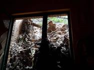 Un gran argayo obliga a desalojar un edificio de viviendas en Mieres