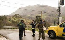 Los bomberos retoman la búsqueda de un hombre desaparecido en Pena (Tineo)