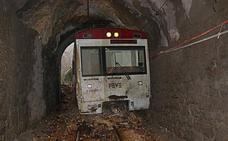 Feve cierra por primera vez toda la red y Pajares se quedó cinco horas sin trenes