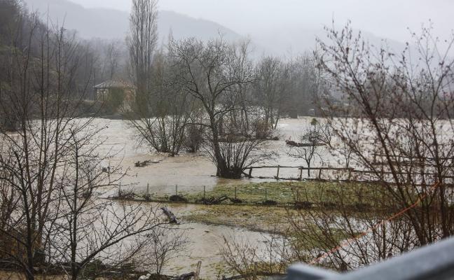 La Confederación Hidrográfica promete invertir 600.000 euros para la limpieza de ríos asturianos
