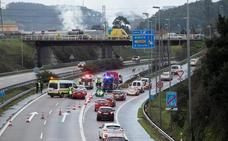 Fallece un motorista avilesino de 43 años tras sufrir una caída en la autovía a la altura de Parque Astur