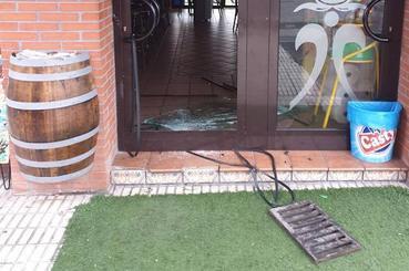 Detenido un joven en Grado tras robar en un bar