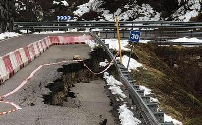 Graves daños en la carretera al puerto San Isidro y Fuentes de Invierno