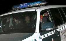 Desolación y abrazos entre los miembros del equipo de rescate de Julen