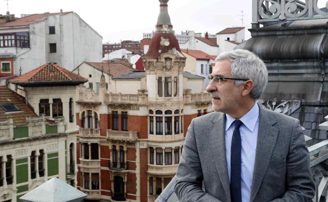 Gaspar Llamazares: «O reconstruimos una izquierda seria y plural o el votante se quedará en casa»