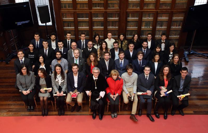 María Teresa Fernández de la Vega defiende la universidad pública en Oviedo