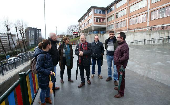 El colegio Germán Fernández Ramos estrena accesos y un nuevo patio