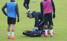 El delantero del Sporting Blackman se lesiona y es duda ante el Extremadura