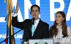 Guaidó denuncia el acoso a su familia
