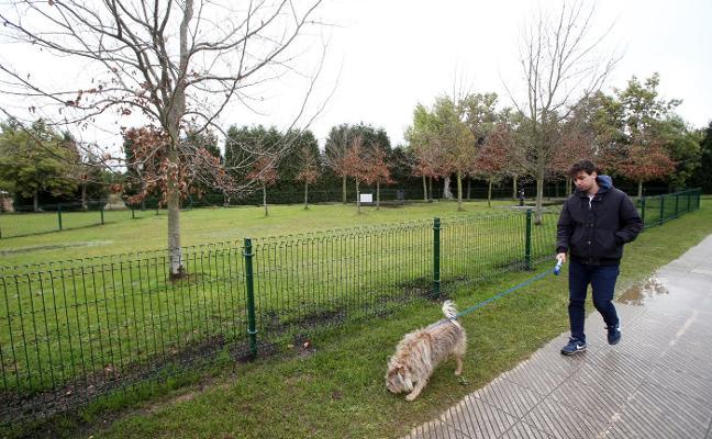 Montecerrao ya tiene un parque solo para perros