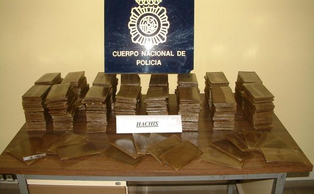 Quince años de cárcel para cinco marroquíes por vender hachís
